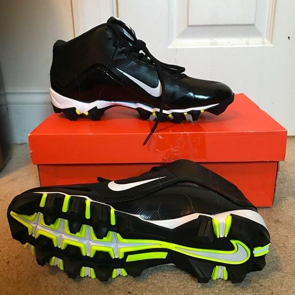 on sale ed036 423de Nike Alpha shark 2 fast flex men s football cleats.  M 5a9c6a6c3316274dff722780